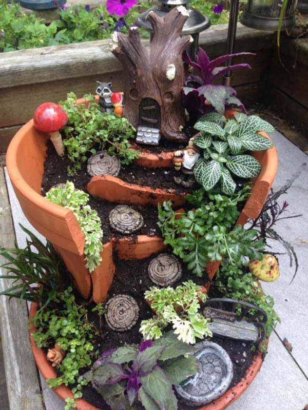 Broken-Pot-Fairy-Garden-2