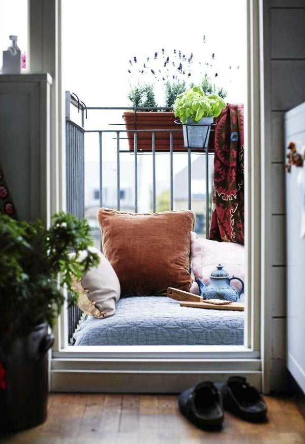 tiny-balcony-furniture-4