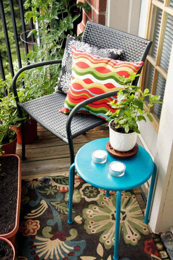 tiny-balcony-furniture-5