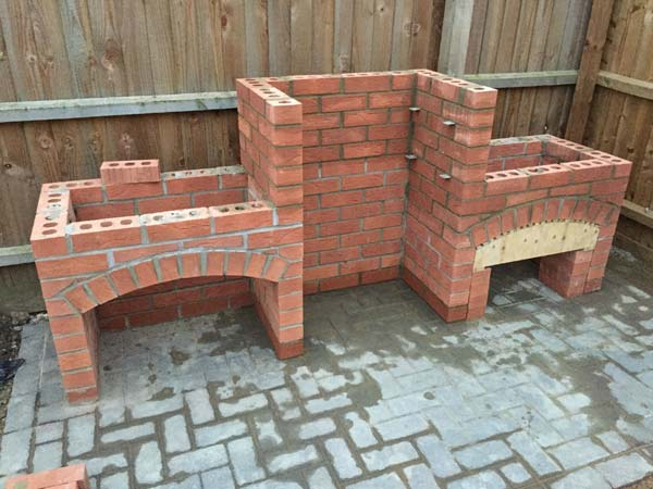 Cool diy backyard brick barbecue ideas amazing diy for Diy brick projects