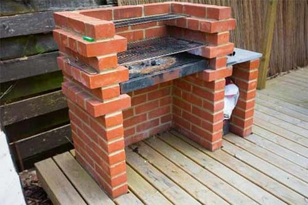 Cool diy backyard brick barbecue ideas amazing diy interior home design - Brick houses three beautiful economical projects ...
