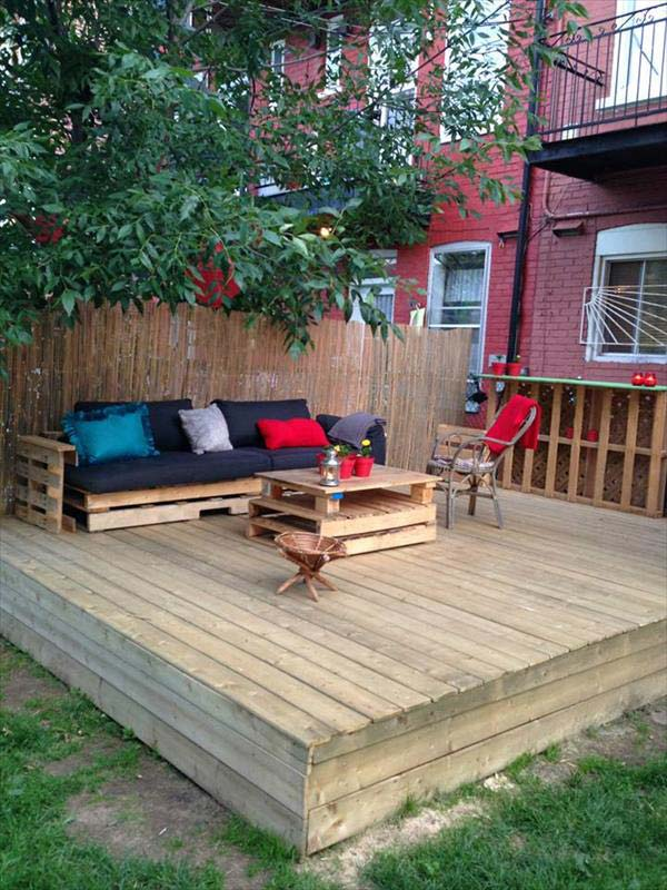 Top 19 Simple and Low-budget Ideas For Building a Floating ... on Wood Patio Ideas id=94169
