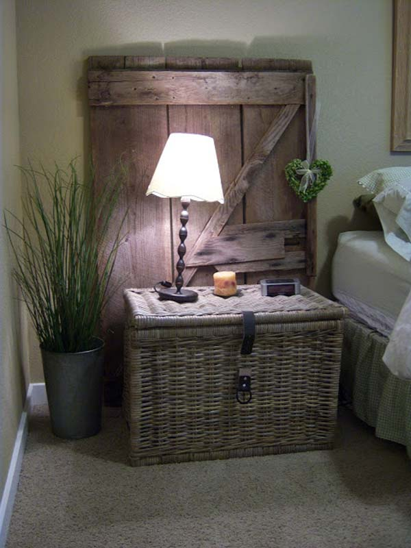 08-Guest-Room-Make-Over-With-An-Old-Door-woohome
