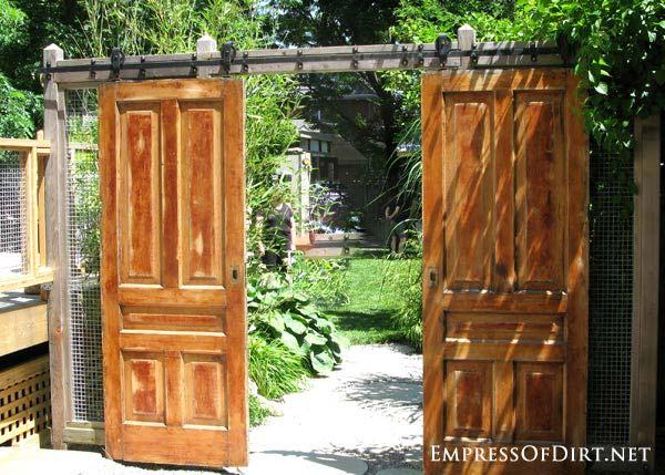 21-OLD-DOORS-FOR-GARDEN-GATE-woohome