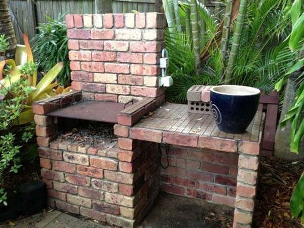 DIY Ideas For Creating Cool Garden or Yard Brick Projects ... on Brick Ideas For Backyard id=73948