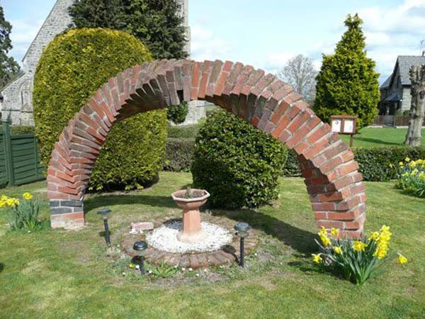 DIY Ideas For Creating Cool Garden or Yard Brick Projects Amazing