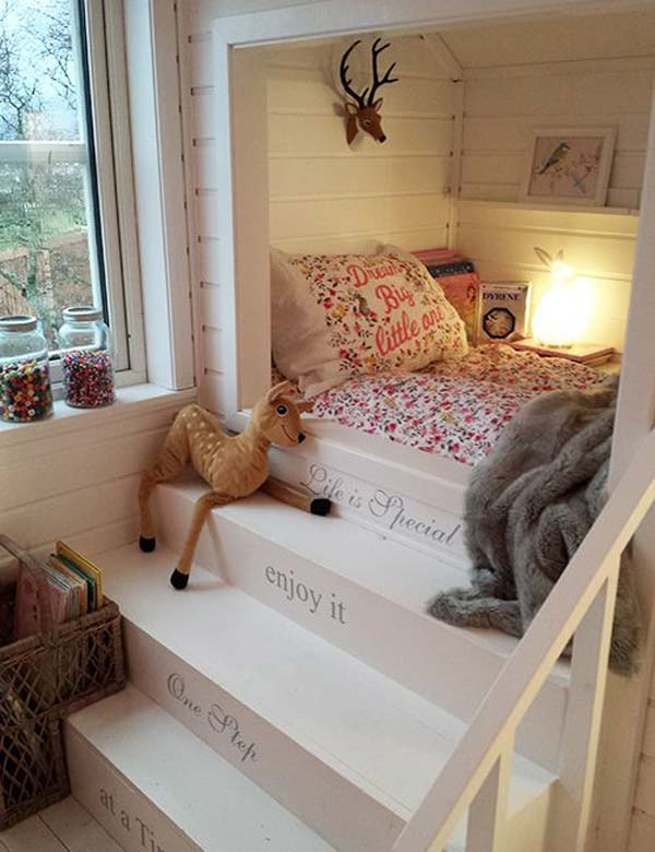 Built-in-bed-in-a-little-ones-room-4