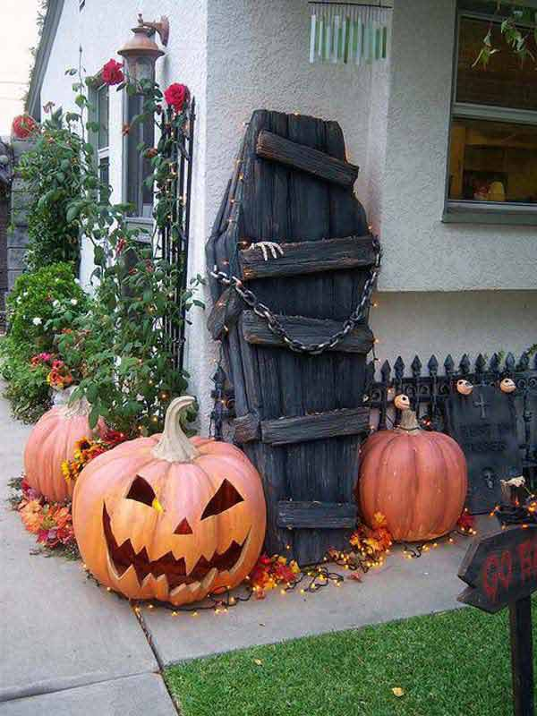 halloween decorations made out of recycled wood 12
