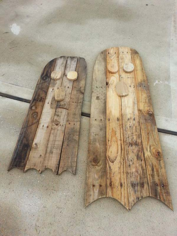 halloween-decorations-made-out-of-recycled-wood-13