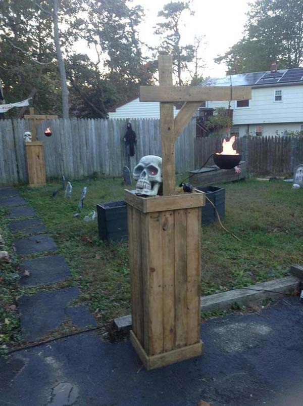 20 Halloween Decorations Crafted From Reclaimed Wood Amazing Diy Interior Home Design
