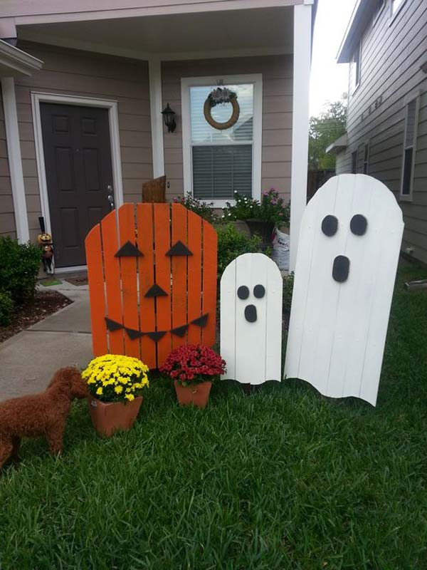 halloween-decorations-made-out-of-recycled-wood-6