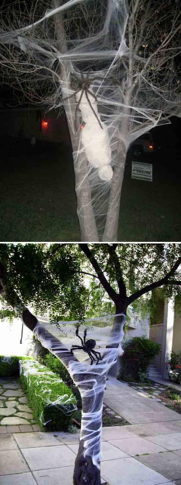 decorate-outdoor-tree-for-halloween-16