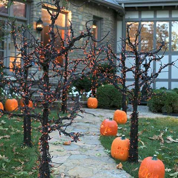 Halloween Outdoor Yard Decorations: Top 21 Creepy Ideas To Decorate Outdoor Trees For Halloween