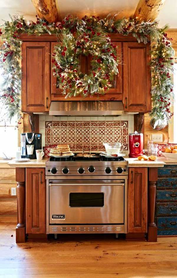 put-christmas-spirit-in-kitchen-12