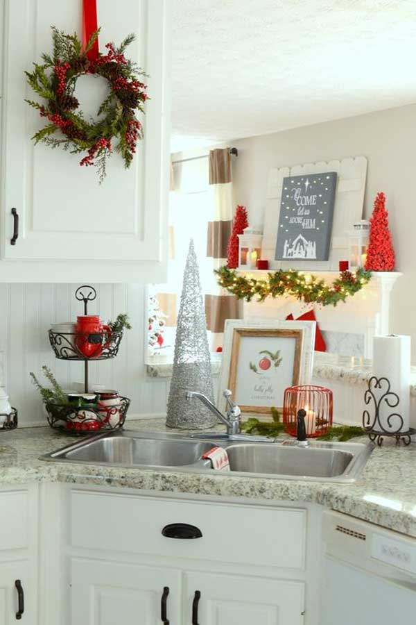 put-christmas-spirit-in-kitchen-15