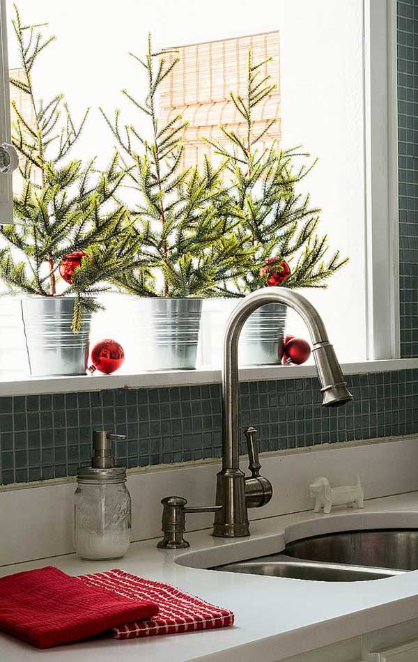 put-christmas-spirit-in-kitchen-17