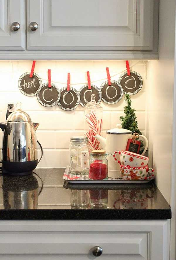 put-christmas-spirit-in-kitchen-19