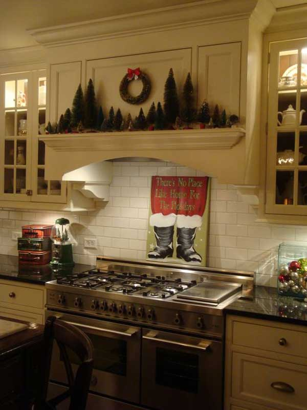 put-christmas-spirit-in-kitchen-20