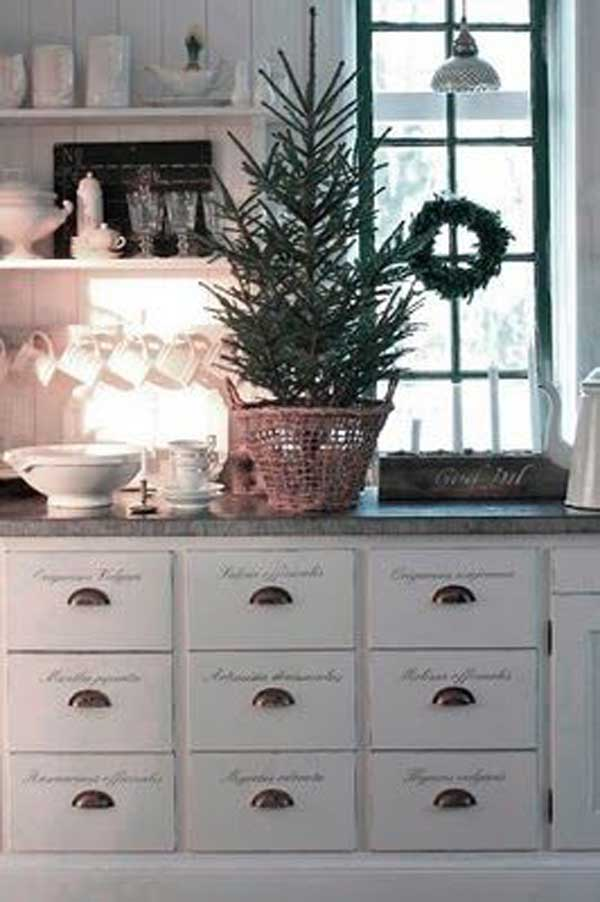 put-christmas-spirit-in-kitchen-23-2