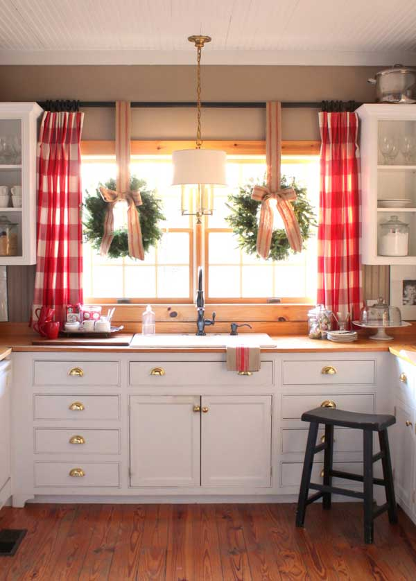 put-christmas-spirit-in-kitchen-6