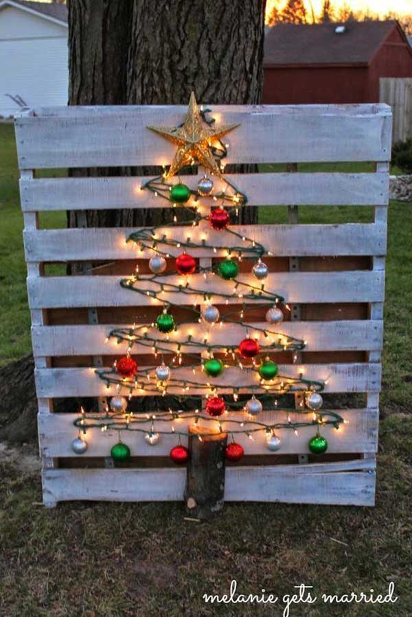 decorate-outdoor-tree-this-christmas-9