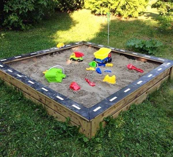 Top 32 Diy Fun Landscaping Ideas For Your Dream Backyard: 21 No Money Backyard Pallet DIYs For Kids Summer Fun