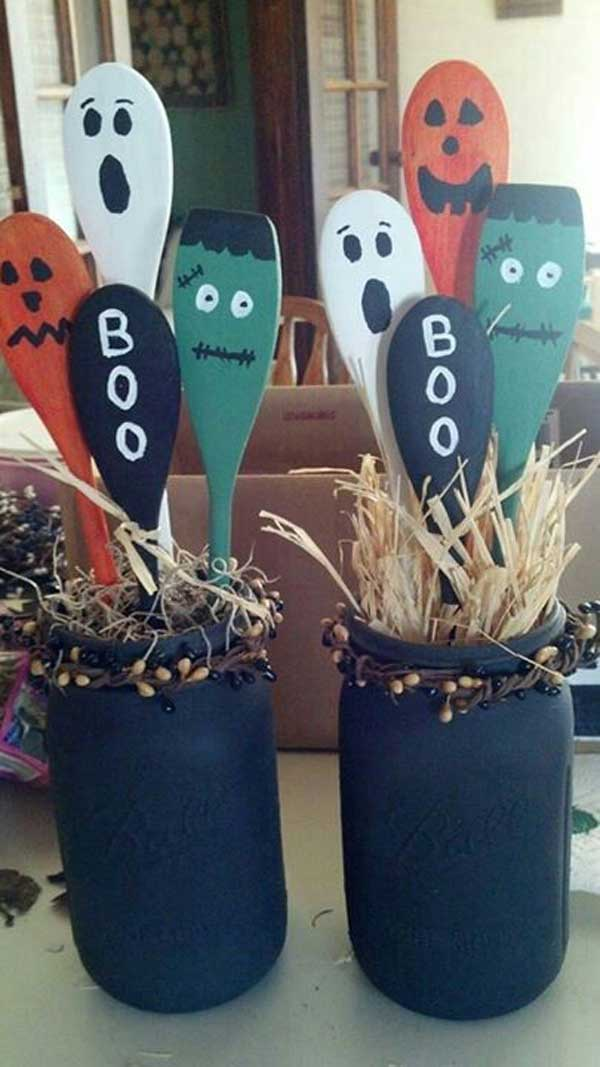 27 halloween kids crafts that are more cute than spooky for Easy halloween crafts to make and sell