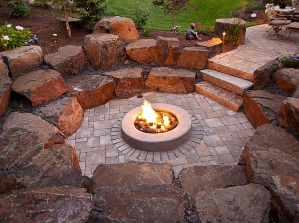 21 awesome sunken fire pit ideas to steal for cozy nights for Amazing outdoor fire pits