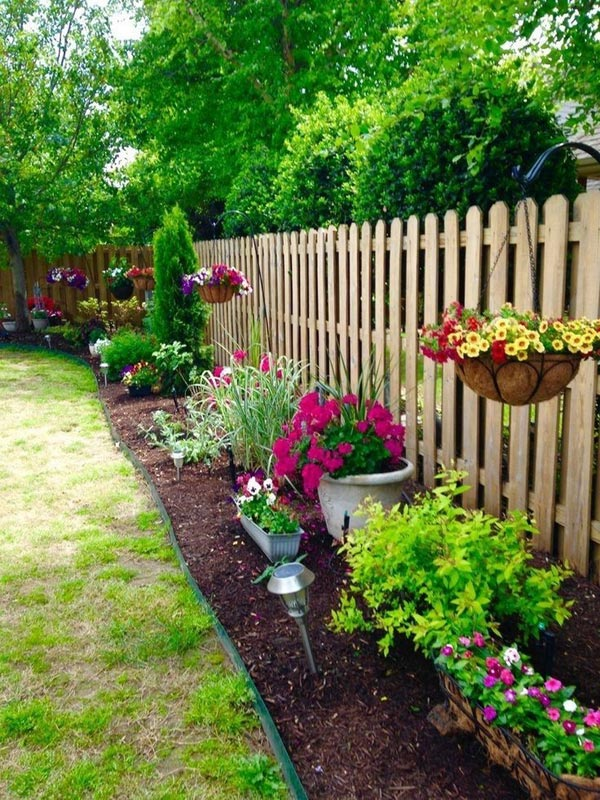 22 Amazing Backyard Landscaping Design Ideas On A Budget ... on Backyard Garden Design id=45995